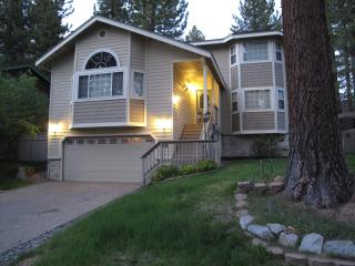 Tahoe Pearl: Luxurious, WiFi, Wii, Pool Table, ... - South Lake Tahoe vacation rentals
