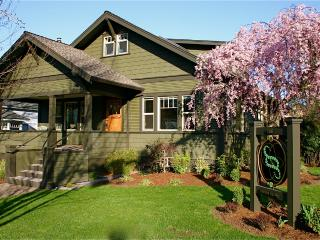 Oberon -Second Spring Property 1-3 Bedroom Luxury - Ashland vacation rentals