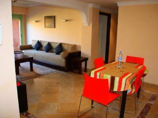 MARRAKECH FACE JARDINS MAJORELLE APPARTEMENT AVEC PISCINE - Marrakech vacation rentals