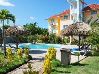 Poolside condo steps away from beach - Cabarete - Cabarete vacation rentals