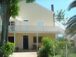 Apartman Sole - Privlaka vacation rentals