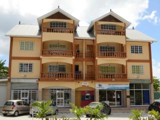 Nice 1 bedroom Condo in Beau Vallon - Beau Vallon vacation rentals