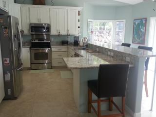 KAILUA DREAMS-MAKAI:  NEW, LUXURIOUS AND SPACIOUS - Kailua vacation rentals