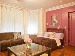 AUTHENTICITY Upper West Side studio - New York City vacation rentals