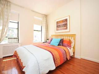*Razzmatazz* Dramatic 2 Bedroom - Upper east Side! - New York City vacation rentals