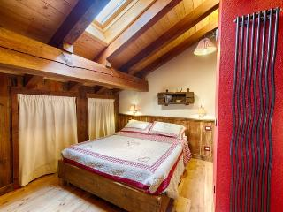 Le Fil Rouge Aosta Valley Apartment Mont Blanc Cer - Valle d'Aosta vacation rentals