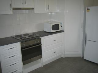 Comfortable 2 bedroom Vacation Rental in Naracoorte - Naracoorte vacation rentals
