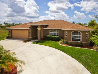 Beautiful 4 Bedroom Canal Home with Heated Pool - Cape Coral vacation rentals