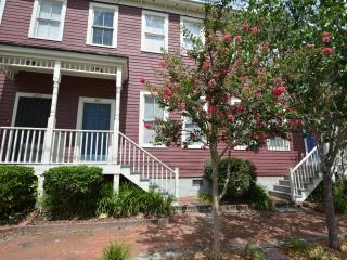 Blair Street Retreat 2 bd 2.5 b Savannah Townhome - Savannah vacation rentals