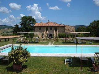 Casale Refoli apartment Le Finestrine 4-5 people - Casole d Elsa vacation rentals