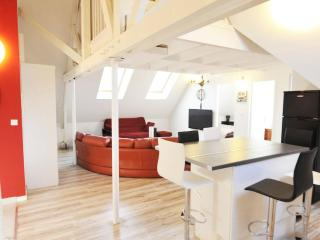 3 Creativ Penthouse near de Versailles-2 ml from Chateau 8 pers. - Saint Cyr l'Ecole vacation rentals