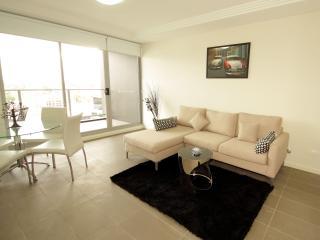 Atria - Selfserve Apartments Parramatta - Parramatta vacation rentals