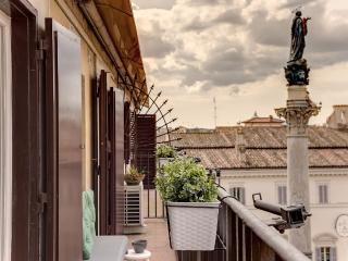 Apt Rental:1 Bedroom, Sleeps 4 In Piazza Di Spagna - Rome vacation rentals