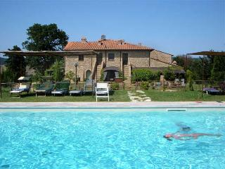 Casale Refoli apt Frassino 4+2 people - Casole d Elsa vacation rentals