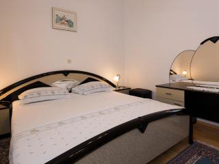 Aquarell Apartment Bol 1 - Split vacation rentals