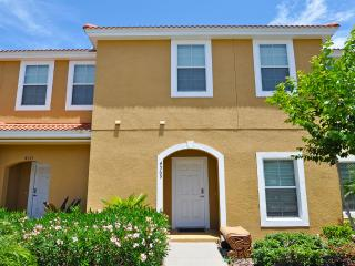 Spectacular 3 bed 2.5 bath and plunge pool, town home near Disney - Orlando vacation rentals