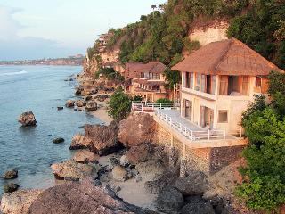 Villa Impossible, Beachfront villa with great surf - Pecatu vacation rentals