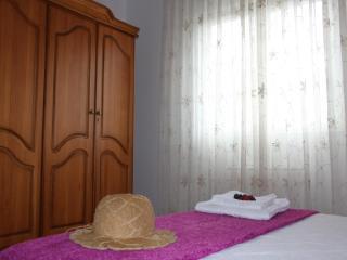 La Casa de Leo Bed&Breakfast - Leon vacation rentals