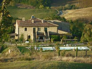 Casale Refoli apt Roccaglia 4-5 people - Casole d Elsa vacation rentals