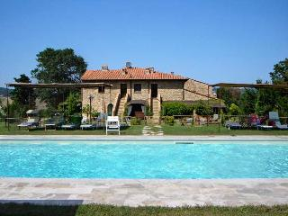 Casale Refoli apt Scale 2+2 people - Casole d Elsa vacation rentals