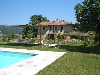 Casale Refoli apt Melograno 4 people - Casole d Elsa vacation rentals