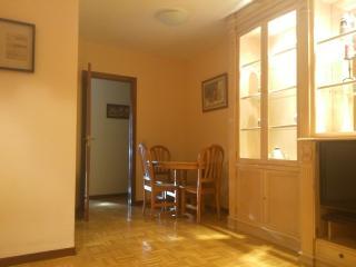 Three bedroom apartment - Latina-Aluche - Madrid vacation rentals
