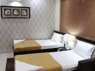Angson Apartment-Deluxe Double-Pvt Room - Chennai (Madras) vacation rentals