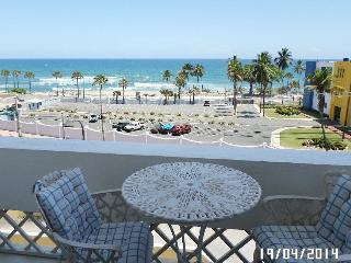 Oceanfront 1/1 Apt, Near UASD y Metro, Sto Domingo - Santo Domingo vacation rentals