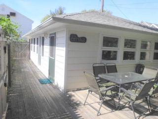CUTE, QUIET, CLEAN, RUSTIC 2 BR BEACH COTTAGE - Bay Head vacation rentals