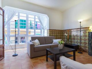 Palma old town, near Placa d'Olivar 4ppl - Palma de Mallorca vacation rentals