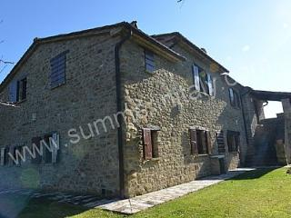 Charming House with Deck and Garden - Monterchi vacation rentals