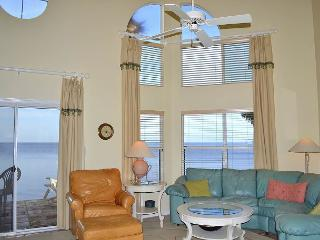 Bayfront townhome on the water with access to trams/amenities! Rent as a 6 BR - Miramar Beach vacation rentals
