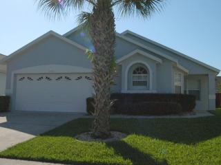 Our Sunshine Villa - Minutes from parks! - Disney vacation rentals
