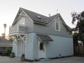 Coastal Victorian Carriage House in Santa Cruz on Scenic West Cliff Drive - Santa Cruz vacation rentals