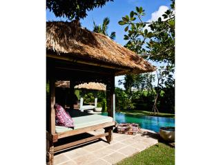 BOHEMIAN LUXURY IN YOUR OWN TROPICAL HIDEAWAY - Canggu vacation rentals