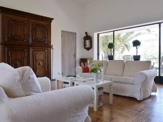 Villa Orleans Self-Catering Accommodation - Estoril vacation rentals