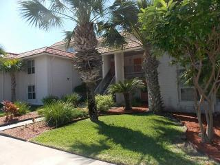 Shore Thing, cute condo with pool, beach walkover - Port Aransas vacation rentals