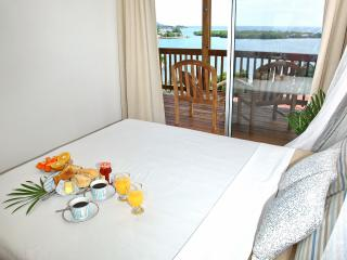 Romantic 1 bedroom Apartment in First Bight - First Bight vacation rentals