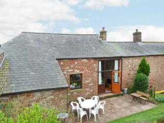OLD MILL BARN, pet-friendly, woodburning stove, WiFi, two sitting areas, Ref 905723 - Kirkby Thore vacation rentals