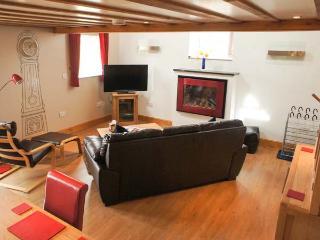 THE PIGGERY romantic retreat, superb views in Farndale near Kirkbymoorside Ref 911810 - Camelot vacation rentals