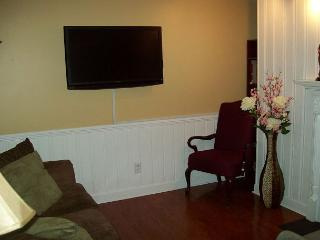 One Bedroom Condo with Bunk Beds in the Heart of Gatlinburg (Unit 110) - Gatlinburg vacation rentals