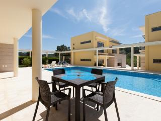 3 Bedroom Deluxe Villa with Pool in Foz do Arelho, Silver Coast - Foz do Arelho vacation rentals