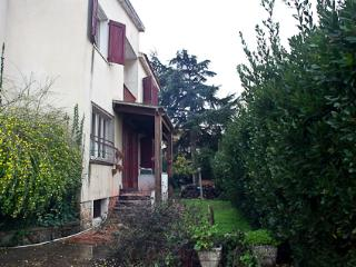 Semi-indipendent House with garden - Sassari vacation rentals