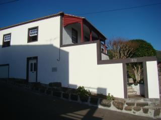 Charming Villa in Lajes do Pico with Waterfront, sleeps 6 - Lajes do Pico vacation rentals