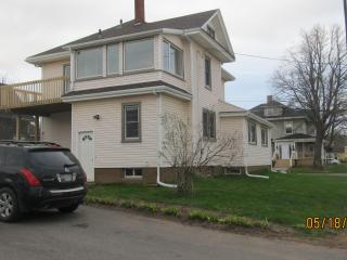 Bright 4 bedroom House in Summerside with Deck - Summerside vacation rentals