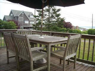 Ocean access with ocean view deck - Jamestown vacation rentals