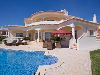 Luxury 5 bedroom villa w/swimming pool - Albufeira vacation rentals