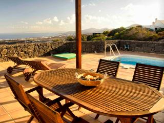 Casa Las Vistas, Sea Views and swimming pool - La Asomada vacation rentals