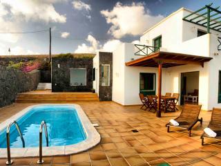 Casa Las Vistas, Piscina y Vistas - La Asomada vacation rentals