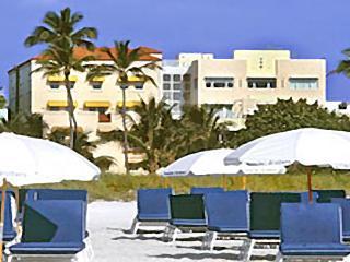 4 Room Cosmopolitan Deluxe Suite on Ocean Drive - Miami Beach vacation rentals